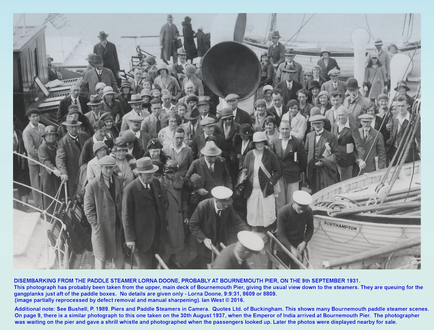 Bournemouth Pier, Dorset, passengers disembarking from the Lorna Doone paddle steamer in 1931