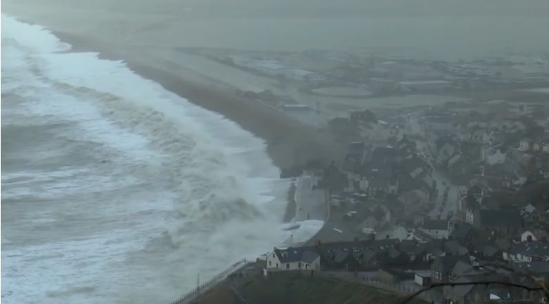 An illustration from the Stuart Morris Film of the Chesil Beach storm, 5th February 2014