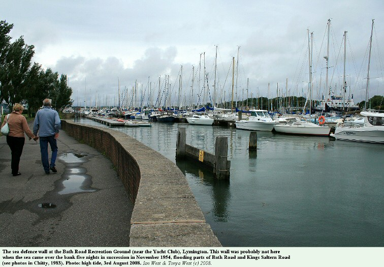 The low sea wall at Bath Road Recreation Ground, Lymington, Hampshire, 3rd August 2008