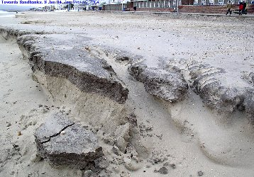 Details of erosion of the contaminated sand, looking towards Sandbanks, Dorset
